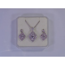Set of Earings and Necklace for women